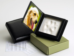 Dog cremation and memorialization services